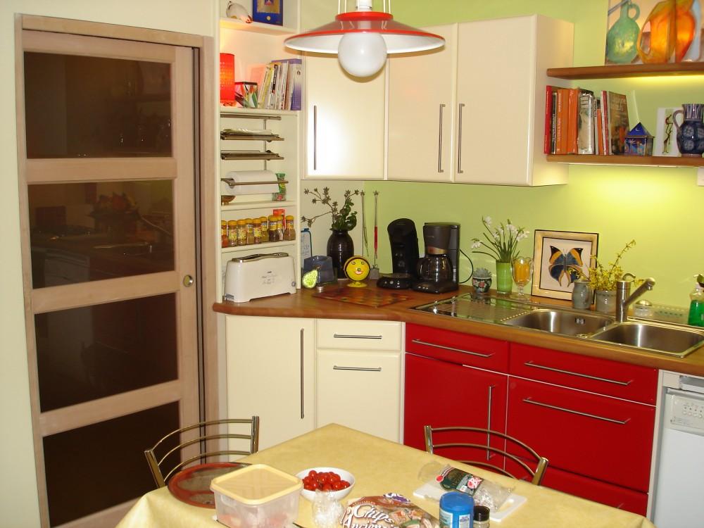 Affordable cuisine en mlamin blanc faades en panneau plaqu chne teint gris vernis plan de for Plan de travail blanc laque leroy merlin