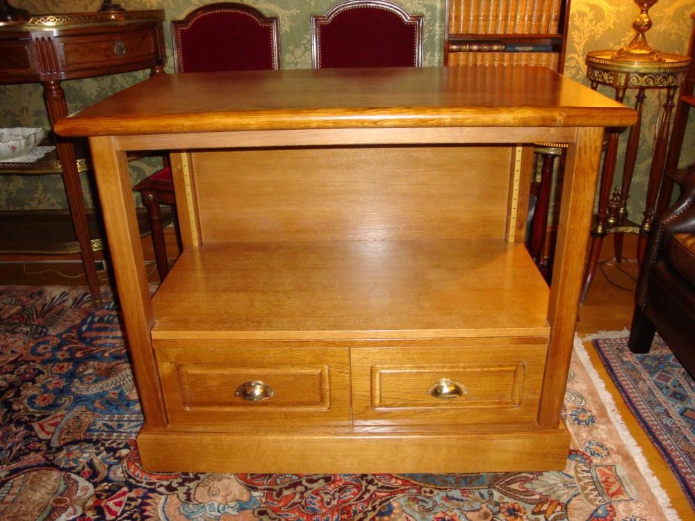 Cr ation de meubles tv et biblioth ques sur mesure b2a for Peindre meuble en chene vernis